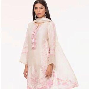 Pakistani designer Sapphire Shalwar Kameez